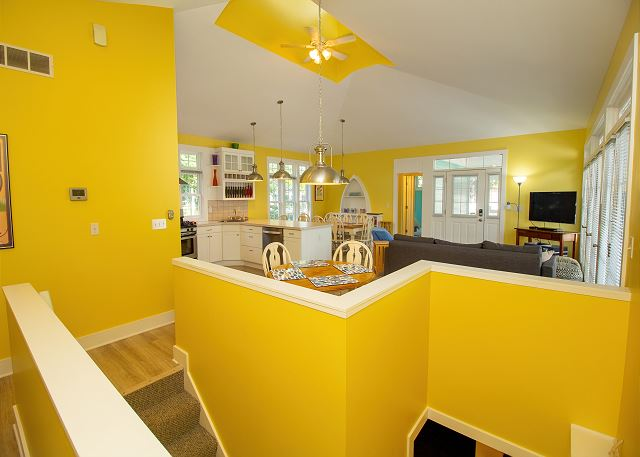 Main level living, kitchen and dining room