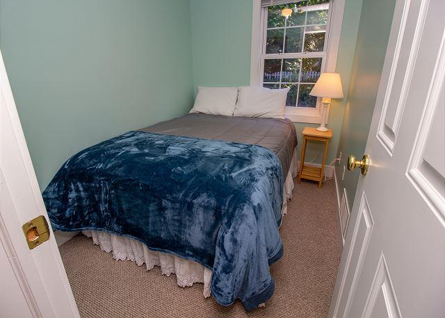 Main level queen bed