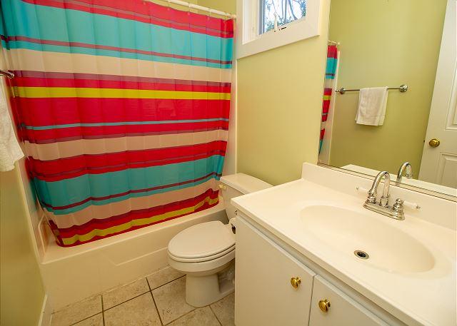Second level full bath