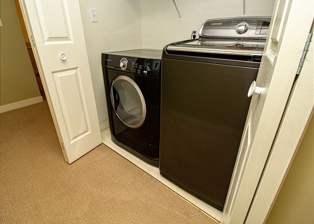 Second level washer and dryer on landing