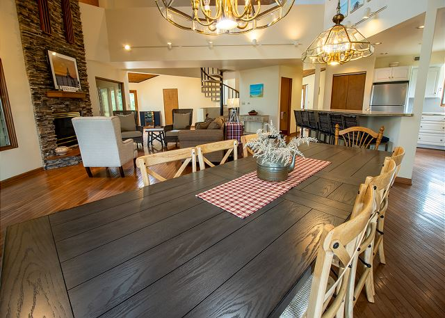 Main level dining for 8, siting room and kitchen