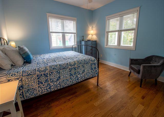 Second level bedroom #3 - Queen bed