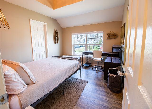 Bedroom #1 Queen bed