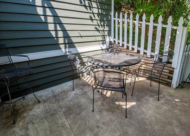 Main level back porch