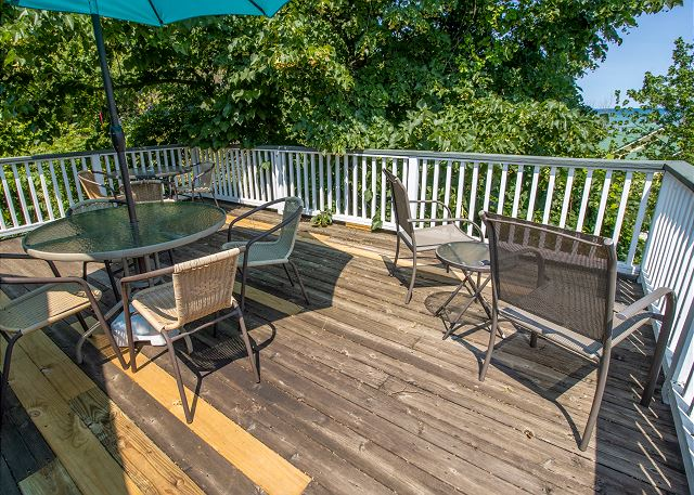 Guest house second level private deck
