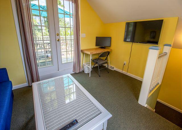 Guest house second level private deck entrance