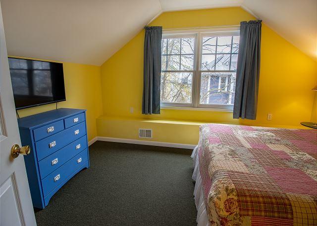 Third level bedroom #5 - Queen bed
