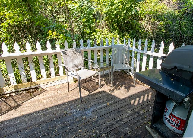 Main level private deck with gas grill