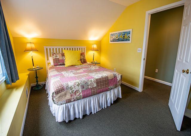 Third level bedroom #5 - Queen bed with TV