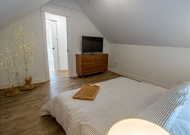 Third Level Bedroom #3- King