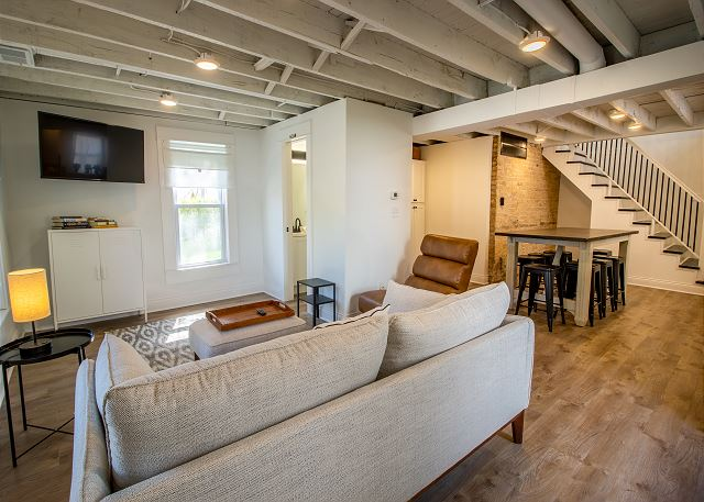 Main Level Living Room and Dining for 8