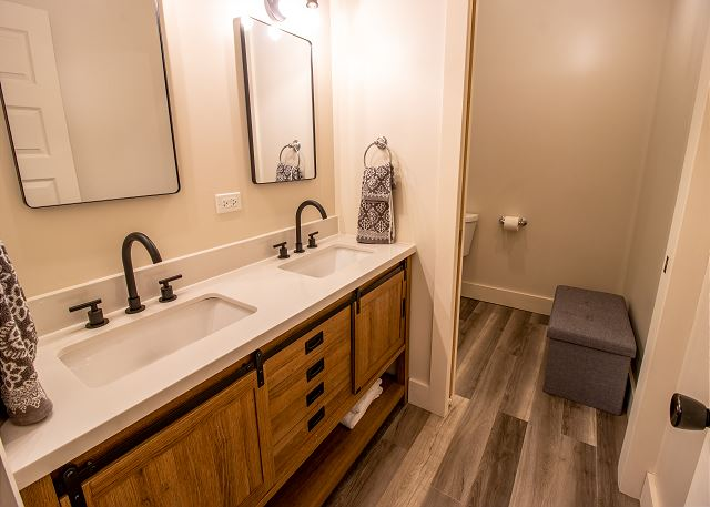 Full bathroom with separate shower and toilet room