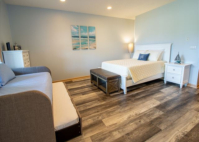 Ground level bedroom #5 - full and twin trundle beds