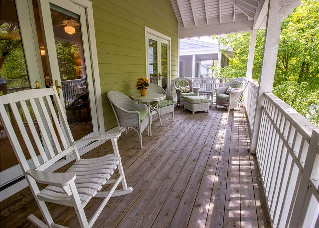 Second level private deck off sitting room