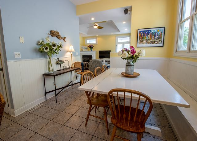 Main level dining looking into living room