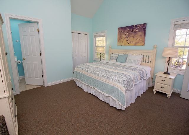 Huge King Master bedroom on the upper level,