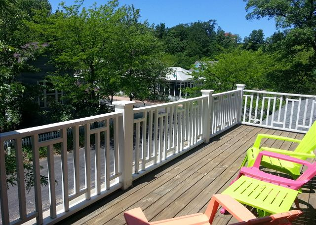 2nd floor deck