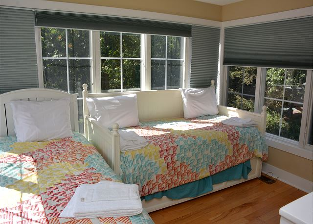 Second floor Twin beds