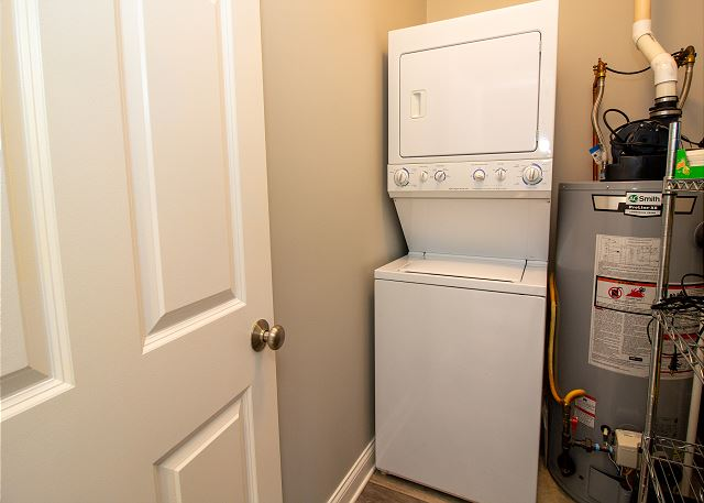 Main level washer and dryer