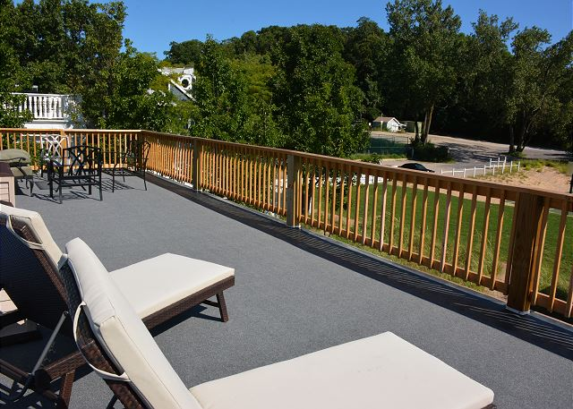 Top level deck additional view.