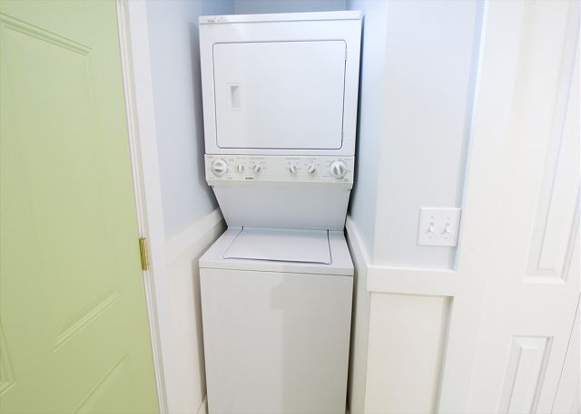 Main floor washer and dryer