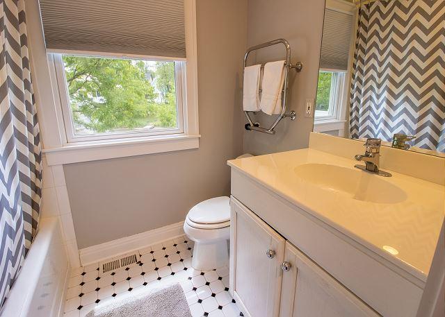 Guest house main level full bath
