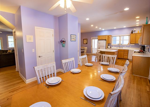 Main Level Dining for 8