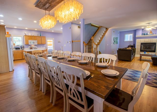 Main Level Dining for 12 and Full Kitchen