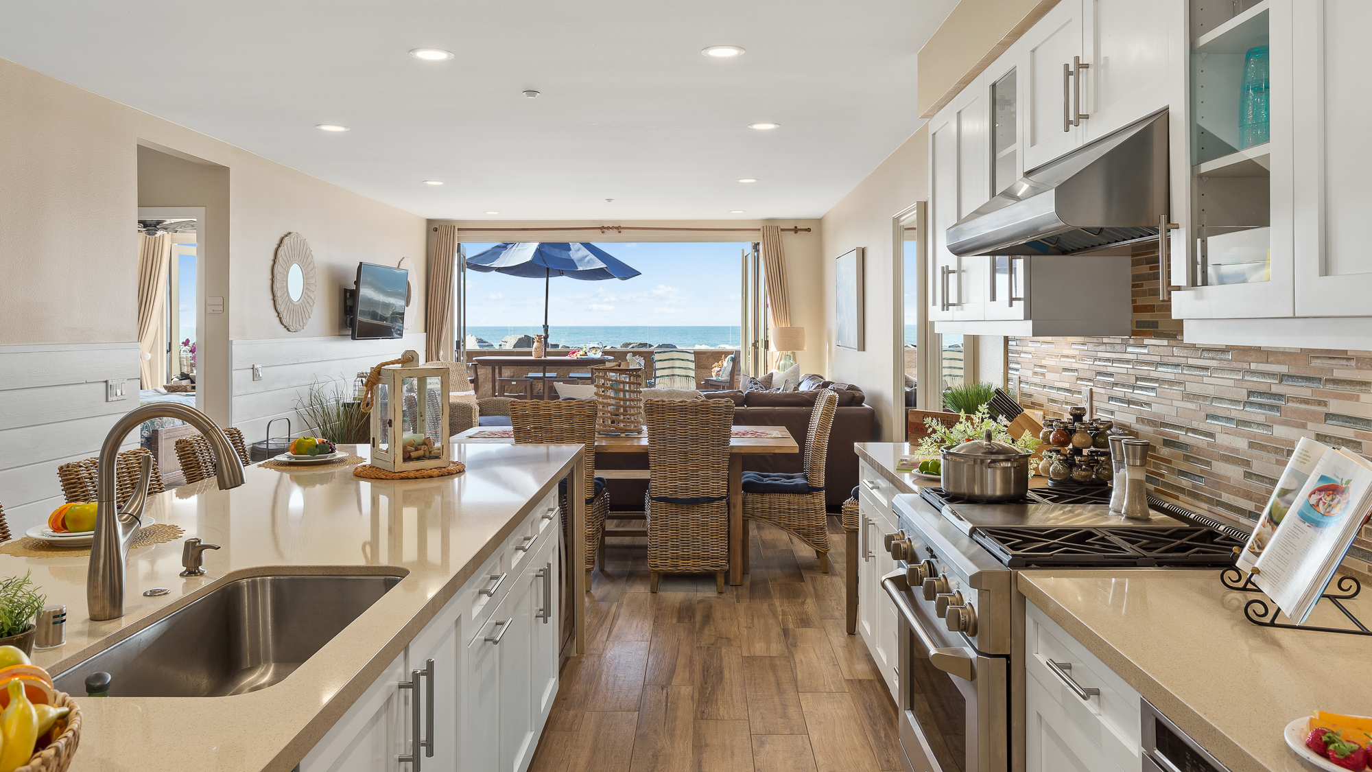 10 Person Oceanside Ca Condo Beachfront Only Vacation