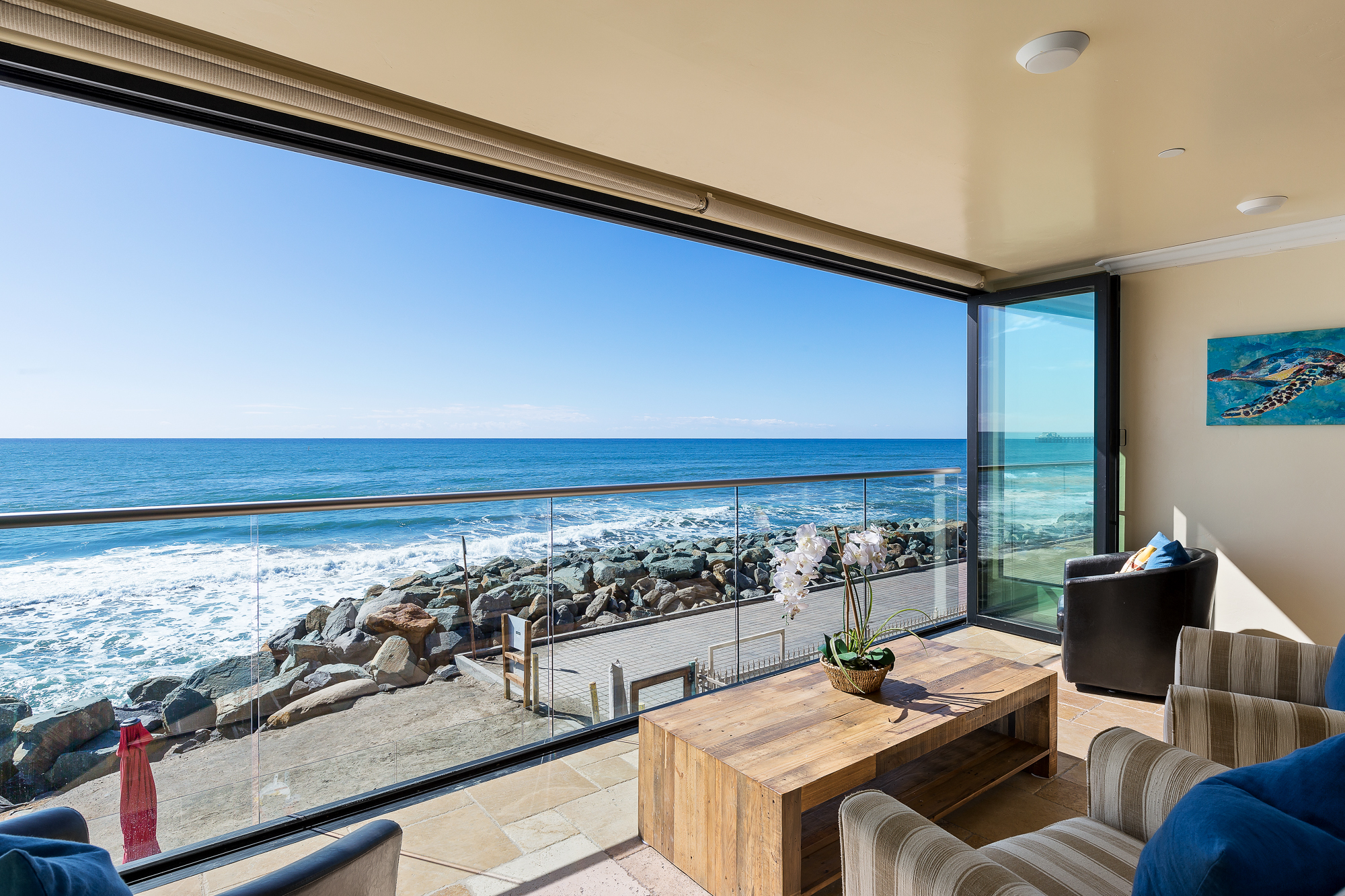 20 Person Oceanside, CA Retreat | Beachfront Only Vacation Rentals