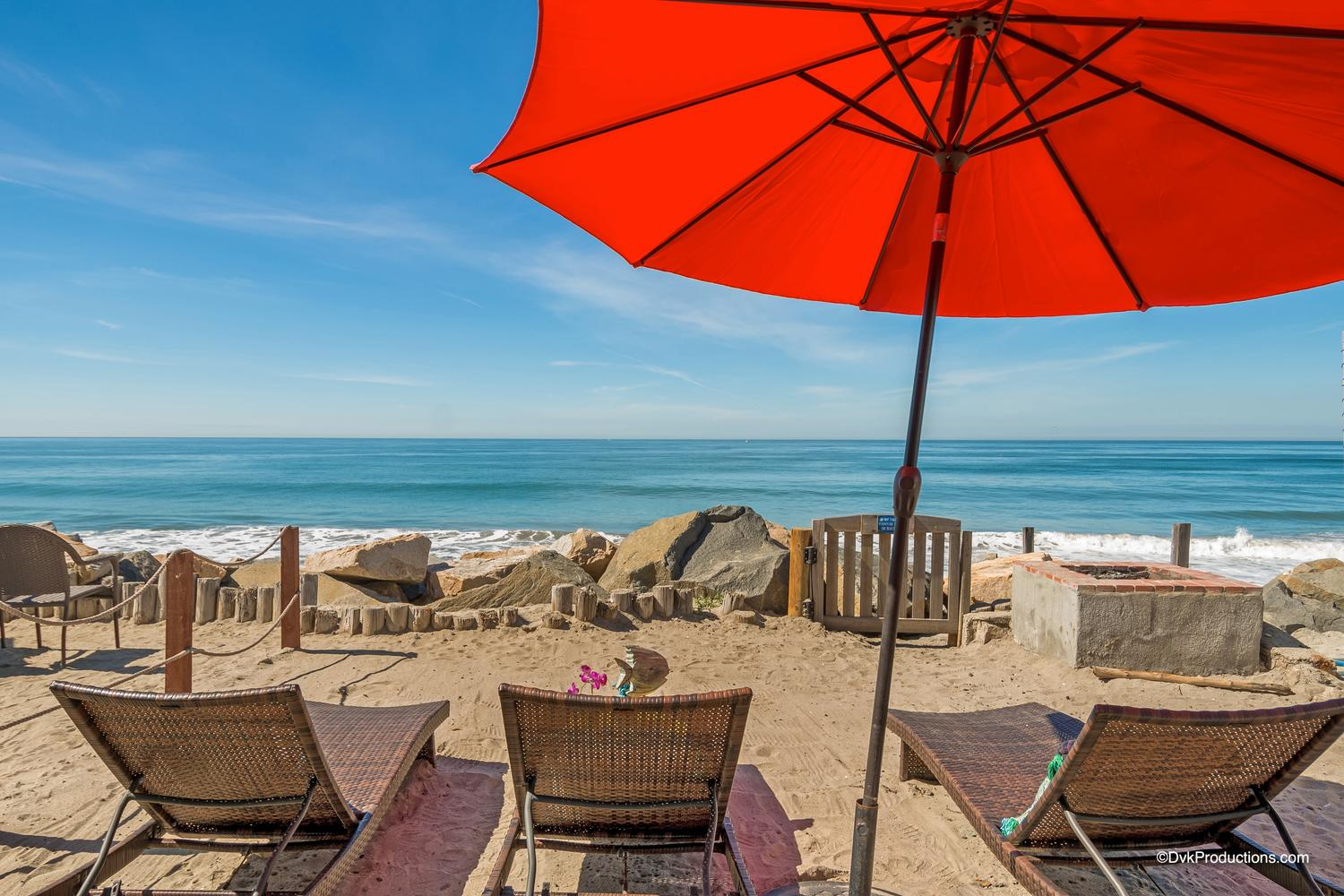 9 Person Oceanside, CA Bungalow | Beachfront Only Vacation Rentals