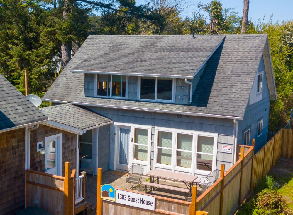 1303 Guest House | Bloomer Estates Vacation Rentals