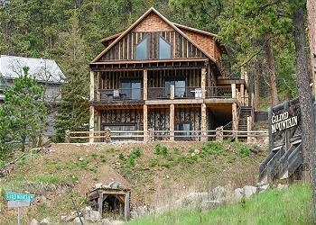 South Dakota Cabin Rentals | Black Hills Adventure Lodging