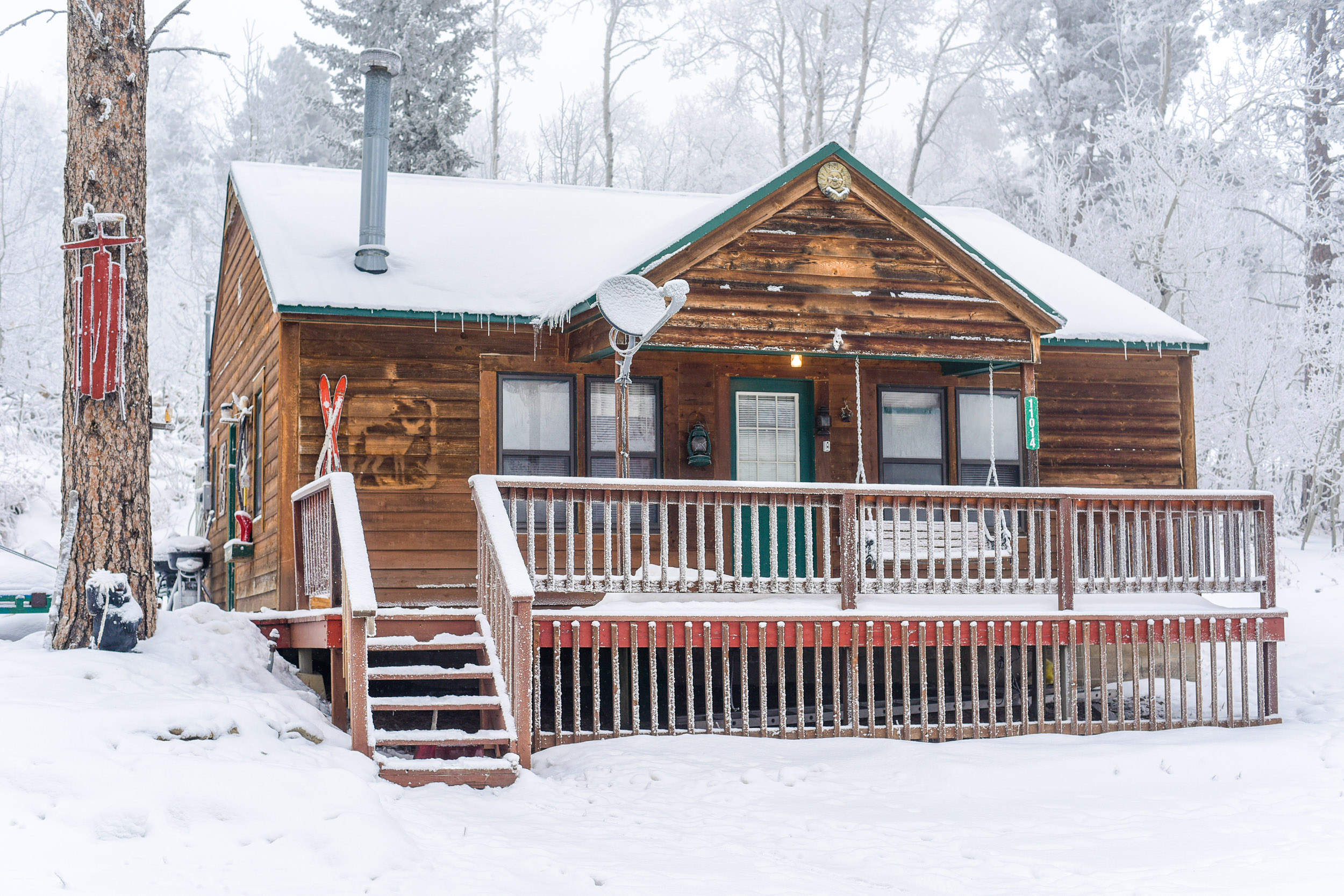 snow warming lake gold winter forest rentals sports early national cabins cabin park recreation wintersports patrol hut with detailfull backcountry in sno willamette