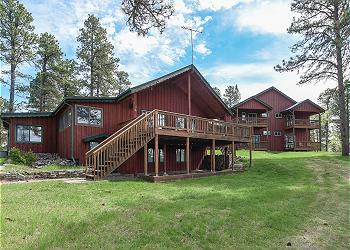 Black Hills Hideaway Lodge