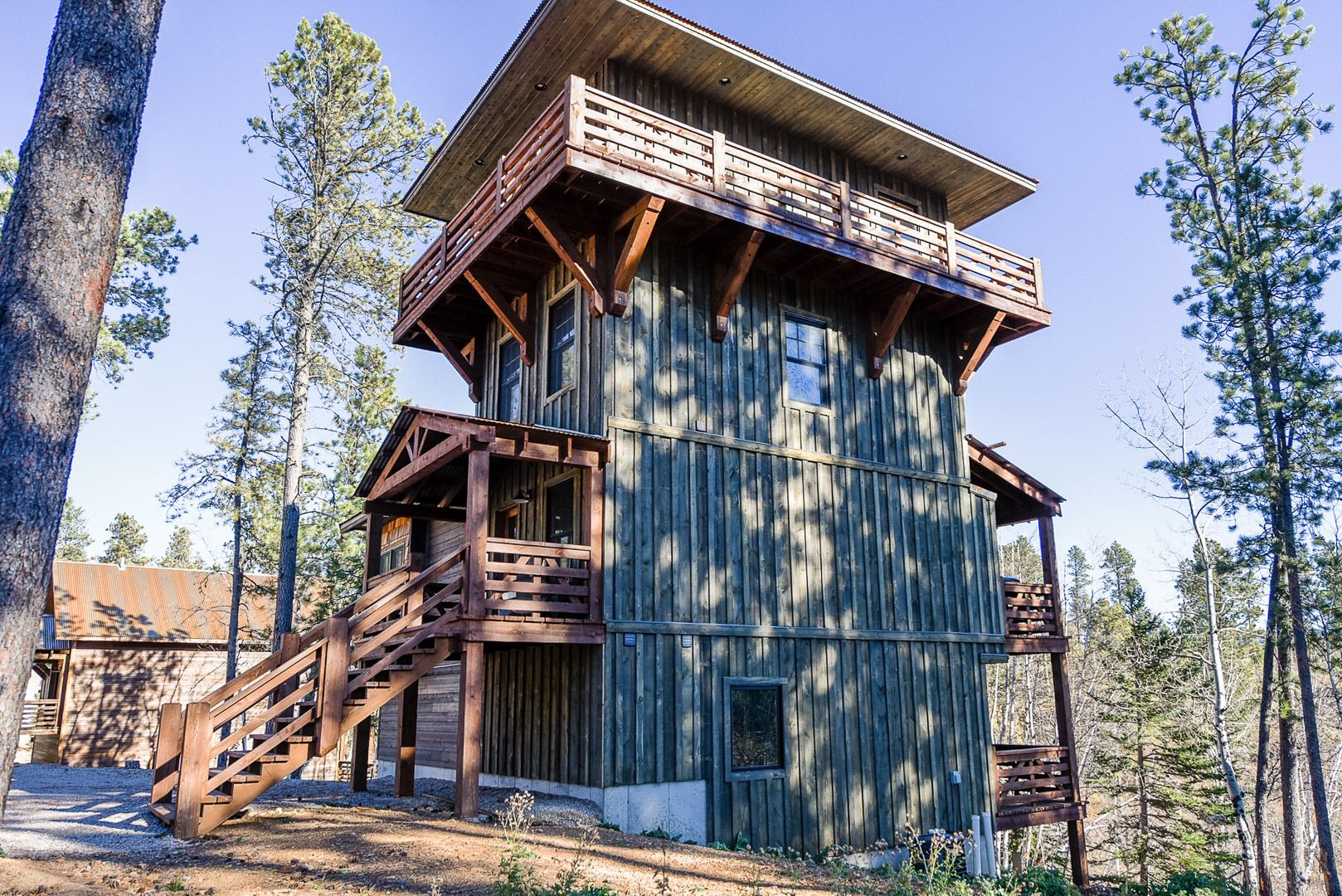 House plans with lookout towers for Fire tower cabin plans