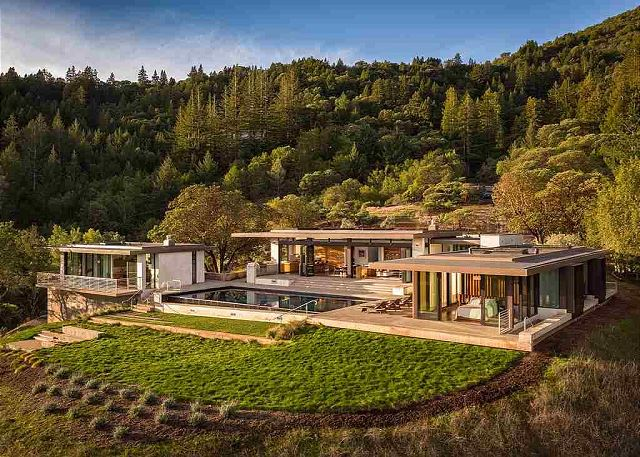 Magnificent, new modern hillside Estate.