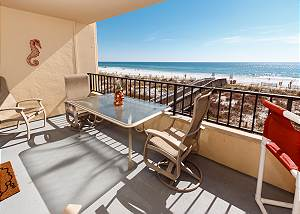 Surf Dweller 207: HUGE Gulf front with 32 ft balcony, WIFI, BlueRay & MORE!