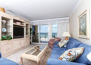 Island Echos 3L: Time to get your beach on! Adorable KEYLESS gulf front Condo