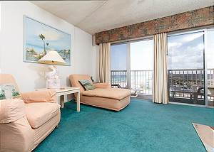 Condo #706:Spacious beach condo-priv balcony,full kitchen,WiFi,FREE BCH SVC