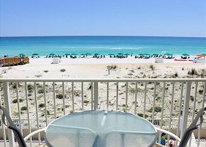 Gulf Dunes 205: Lively, fun-filled Gulf Front condo with beach service, golf