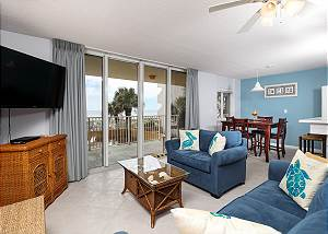 Dune Pointe 201: DON'T MISS OUT! AMAZING BEACH CONDO FREE BEACH SERVICE &more