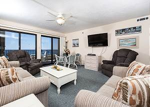 Surf Dweller 603: VERY LARGE, BEACH FRONT, 6th floor, FREE BEACH CHAIRS!
