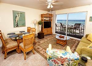 PI 208: RIGHT ON THE BEACH! 1BR/2BA sleeps 6 and offers GREAT amenities!