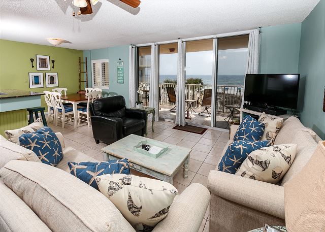 Superb Simply Amazing View From This 3rd Floor Condo! Fresh Paint, New Comfy  Furniture,