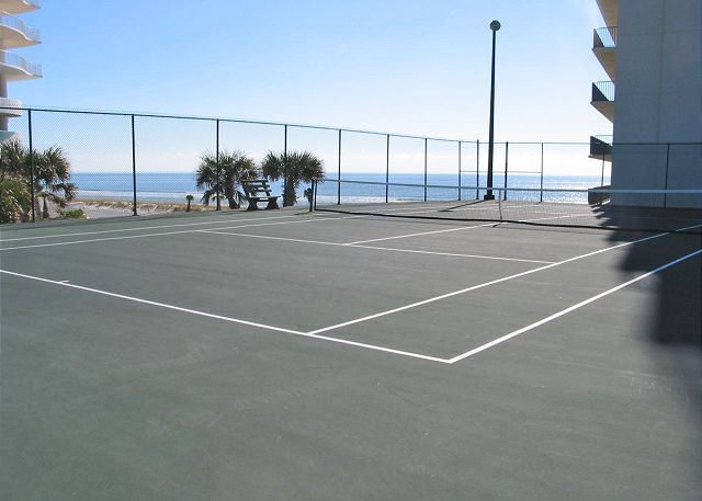 The Palms tennis court.
