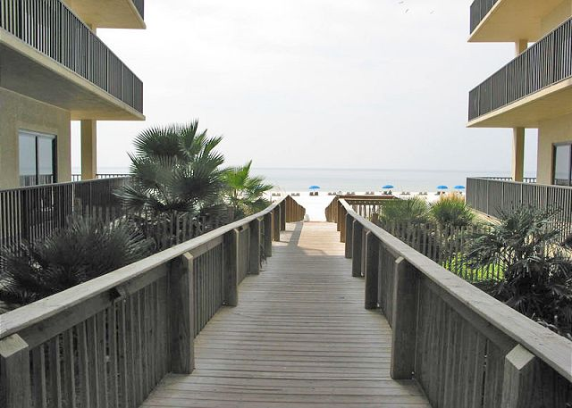 Walkway to beach between building 1 and 2.