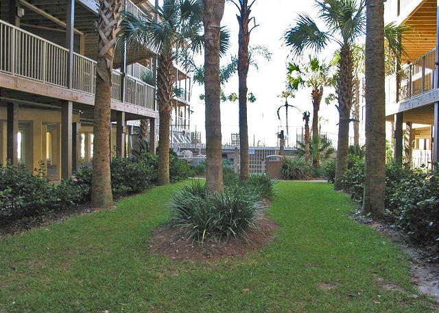 Sandpiper Courtyard
