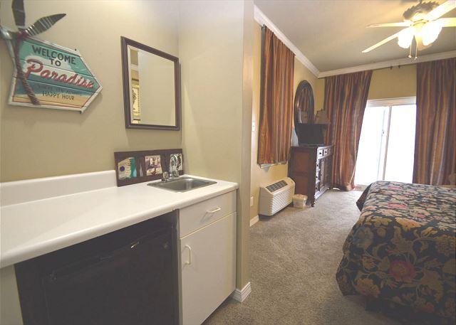 Wet Bar in Bedroom 2