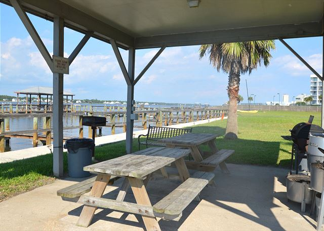 Sea Oats picnic and grilling area.